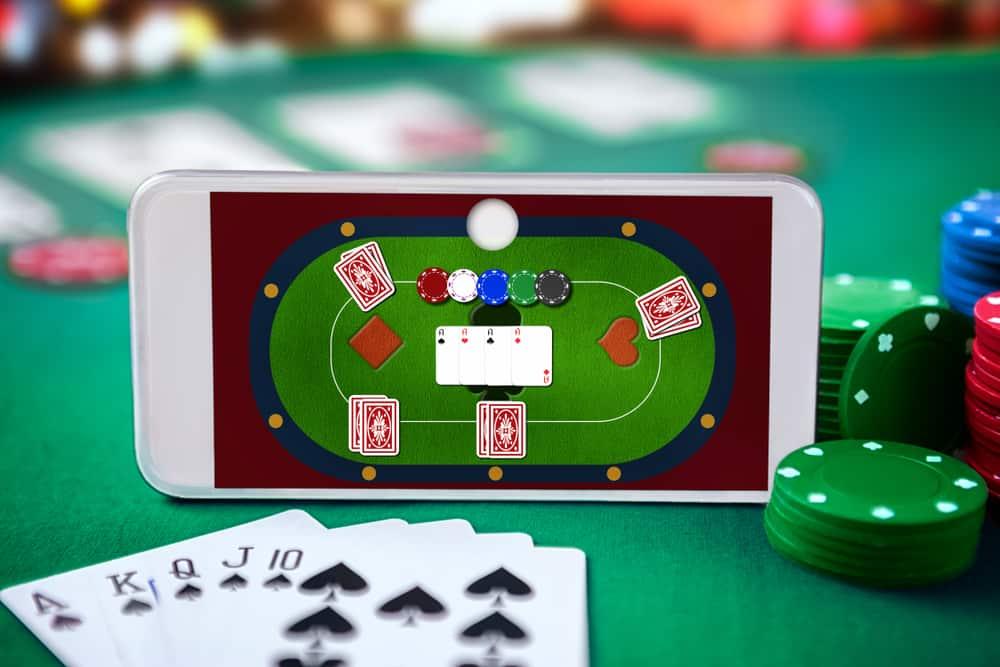 Live Poker vs. Online Poker: 14 Differences to Consider! - Gamesver