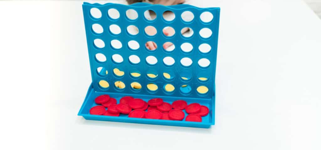 Playing connect 4 or 4 in a row